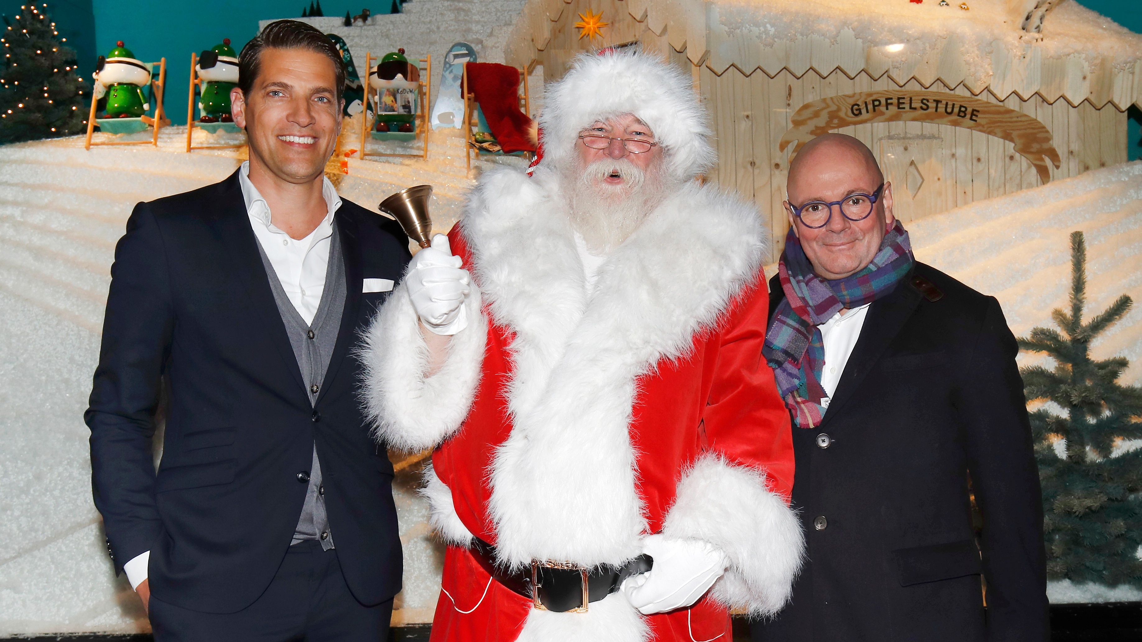 BERLIN, GERMANY - NOVEMBER 14: Managing Director KaDeWe Nico Heinemann, Santa Claus and CEO The KaDeWe Group Andre Maeder during the KaDeWe Berlin Celebrates Christmas Gallery Opening at KaDeWe on November 14, 2017 in Berlin, Germany. (Photo by Franziska Krug/Getty Images for KaDeWe)